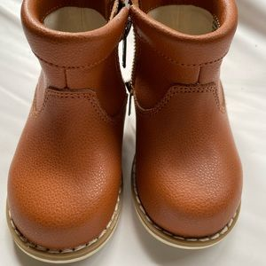 Country Road unisex LEATHER boots